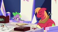 Spike and Big Mac feeling ashamed S6E17