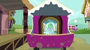 Spike e Angel no trem T03E11
