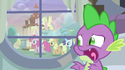 Spike sees Twilight's friends outside the window S5E3