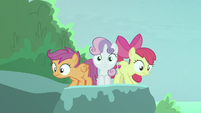 Sweetie pops up between Apple Bloom and Scootaloo S8E6
