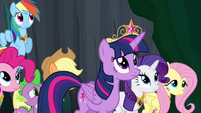 Twilight approaching the tree S4E2