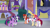 Twilight convincing the Firework Troupe S9E17