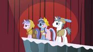 1000px-Unicorn ponies S2E11