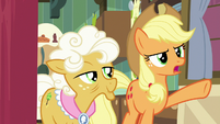 "Applejack ""doesn't have a thing to do"" S9E10"
