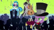 MAFH 01 DJ Pon-3, Octavia Melody i Spike na ślubie