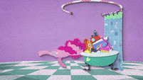 Pinkie Pie drops even more toys in the tub BFHHS2