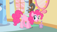 Pinkie Pie explaining the sign of a lucky day S1E15