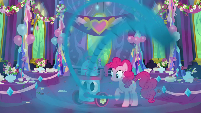 File:Pinkie Pie vacuuming the dining hall S7E1.png