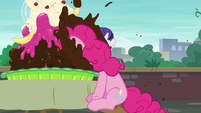 Pinkie buries her face in ice cream S6E3