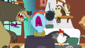Rainbow Dash trapped S03E13.png