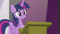 Twilight hears a single clap S5E25