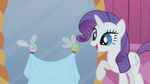 640px-Rarity delighted by helpful parasprites S1E10