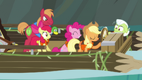 "Applejack ""in charge of everything"" S4E09"