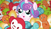 Flurry Heart pops out of the mess of toys S7E3