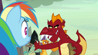Garble refuses to race with Rainbow Dash S7E25