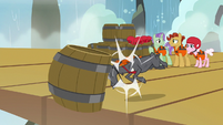 Gray goat headbutts barrel over the platform S7E22