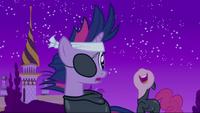 Pinkie Pie behind Twilight S2E20