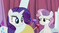 Rarity pleased; Sweetie Belle displeased S6E14