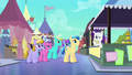 Rarity trying to convince crowd S3E2.png