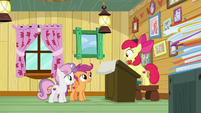 Apple Bloom -they like dangerous creatures- S9E12