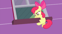 Apple Bloom escaping S4E17