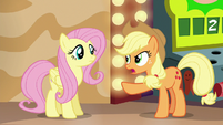 Applejack --trick him into telling the truth-- S6E20