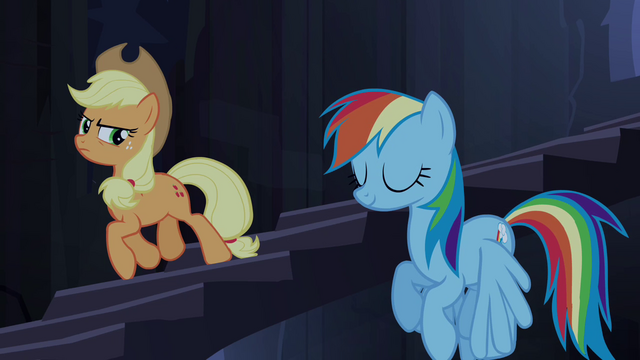 Файл:Applejack trots and Rainbow hovers down stairs S4E03.png