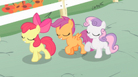 CMC walking while switching positions S4E05