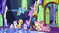 Discord's friends grin pleadingly at him S9E1