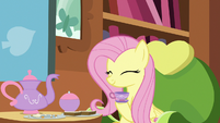 Fluttershy happily nodding S7E12