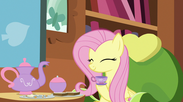 File:Fluttershy happily nodding S7E12.png