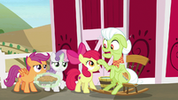 """Granny Smith """"then Discord showed up"""" S9E23"""