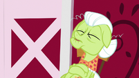 Granny Smith taking a nap S9E23