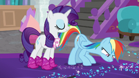 Rainbow looks at the blue glitter again S8E17