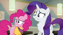 Rarity gulping nervously S6E12