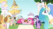 S02E24 Najedzona Pinkie