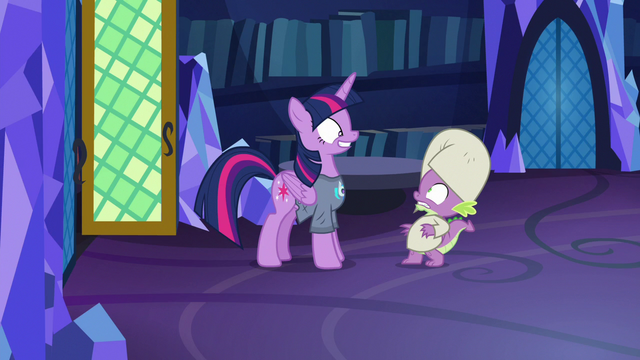File:Spike meets Twilight in DJ Pon-3 shirt S9E16.png