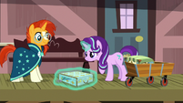 Starlight Glimmer closing Sunburst's luggage S7E24