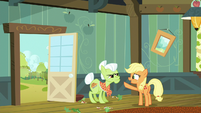 Young Applejack --you go start countin'-- S6E23