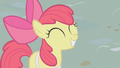 Apple Bloom eager to sell apples S1E12.png