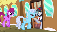 Berryshine and Shoeshine at the station S03E12