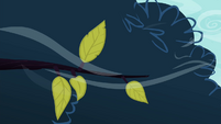 Leaves blown by strong breeze S4E16
