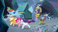 Main ponies and Spike make their escape S9E25