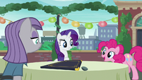 Pinkie acting --Now pardon me whilst I go wash my hooves!-- S6E3