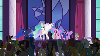 Princess Celestia addressing the crowd S5E10