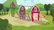 S03E03 Odbudowa stodoły