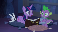 S04E03 Twilight czyta