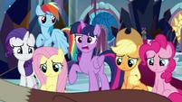 Twilight Sparkle -Discord's right- S9E2