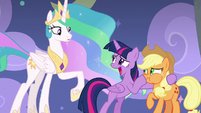 Twilight giving Celestia hollow praise S8E7