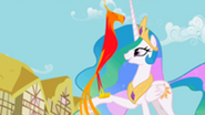 201px-Philomena returns back to Celestia S01E22